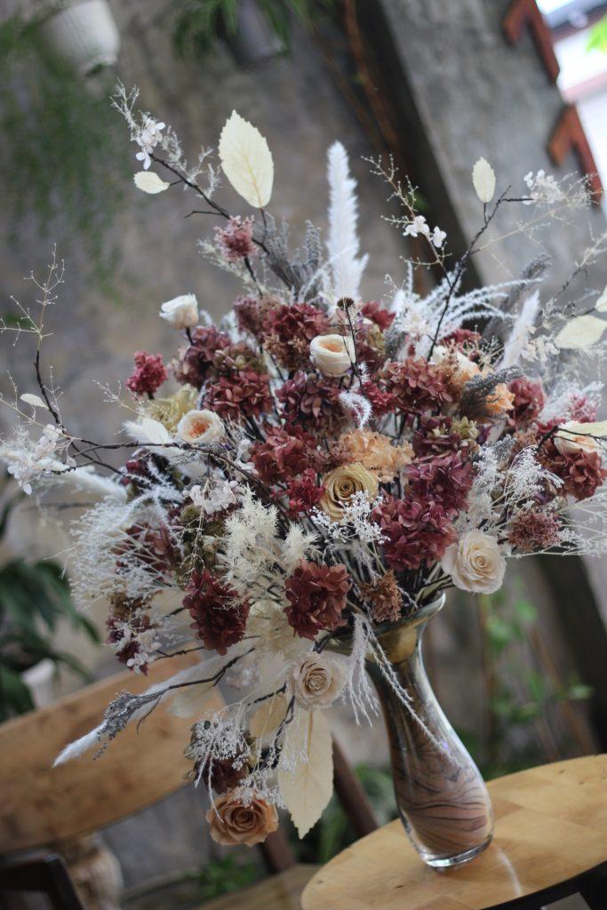 hoa khô màu nâu đất theo mệnh thổ