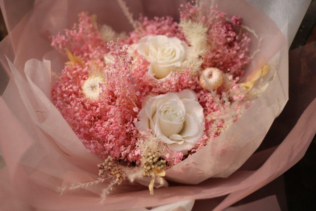 bó hoa hồng trắng khô đẹp