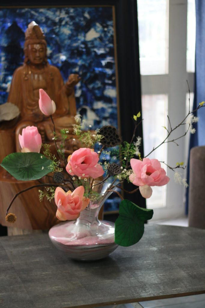 chọn hoa sen khô làm quà tặng