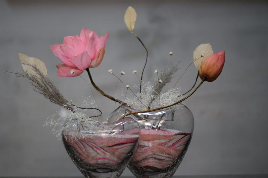 lọ hoa thủy tinh sen khô