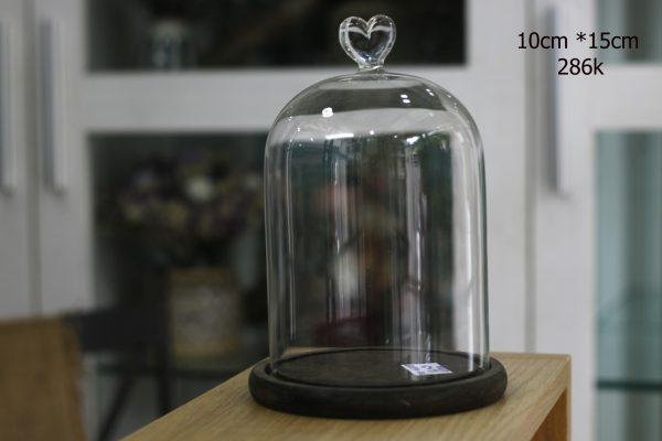 Nắp chụp thủy tinh đế gỗ Dom Heart 10x15 cm